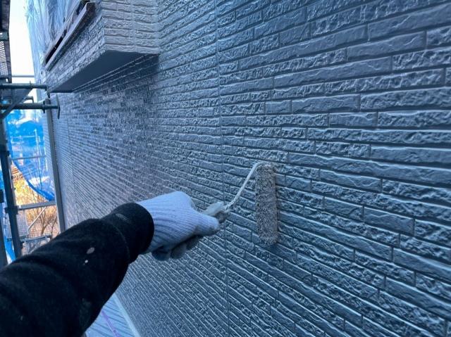 外壁のローラー塗装