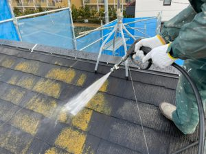 【屋根の高圧洗浄】